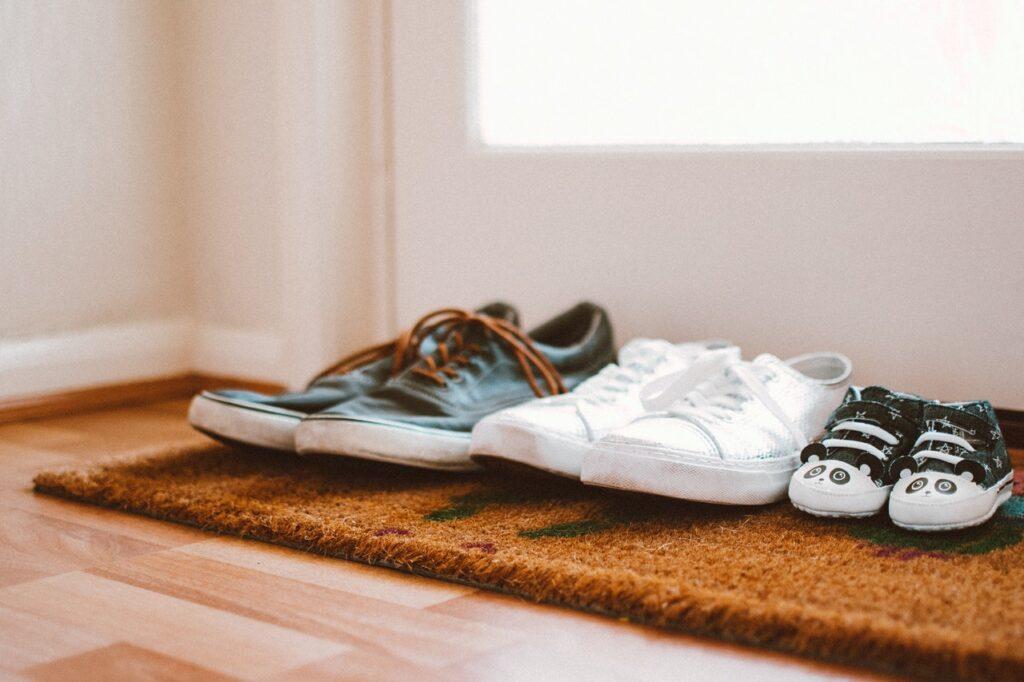 Cipő, papucs, bakancs, táska webáruház | cipomarket.hu